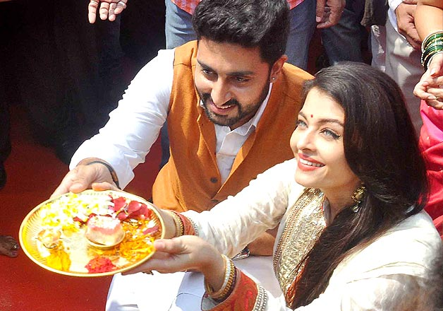 Abhishek Bachchan and wife Aishwarya Rai Bachchan at ecstatic celebrations of Gudi Padwa