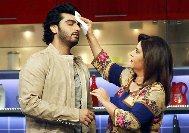 Arjun Kapoor with Farah Khan on her TV show Farah Ki Daawat