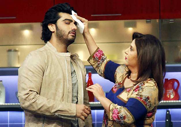 Arjun Kapoor with Farah Khan on her TV show Farah Ki Daawat