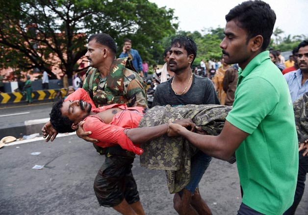 Armed forces carry out rescue operations in full swing