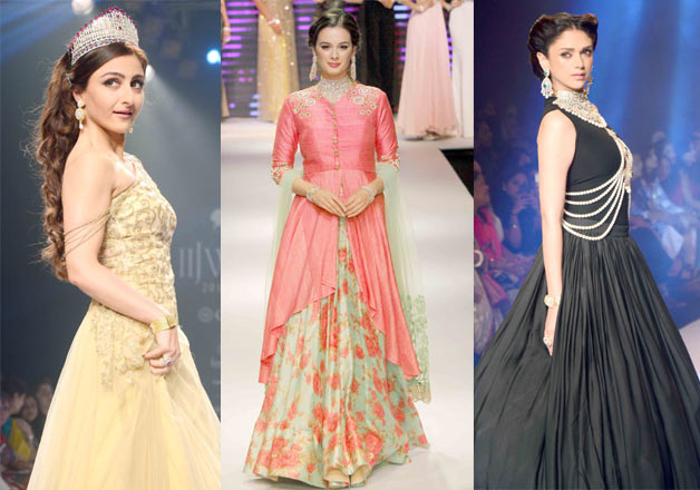 B Town actresses walking on the ramp during India International Jewelry Week 2015