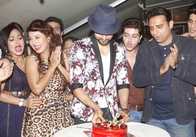 Celebs attend Gurmeet Choudhary birthday bash