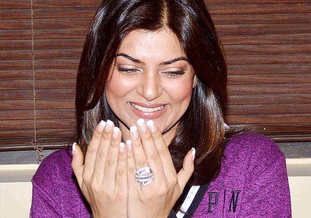 Sushmita Sen flaunted a giant rock that looked more of an engagement ring at a salon launch