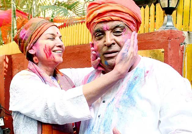 Javed Akhtar Shabana Azmi Holi party pics