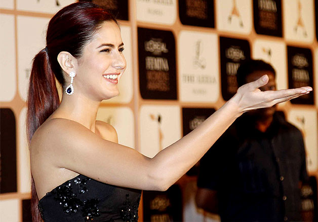 Katrina Kaif-Sonam Kaoor sizzle on the red carpet of Femina Women Awards 2015