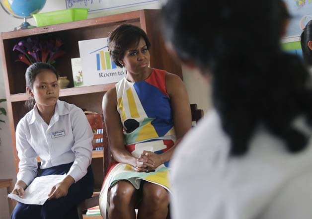 Michelle Obama meets Cambodian school kids