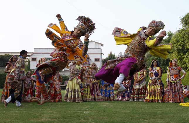 .Navratri Special: Eight interesting facts about Garba dance