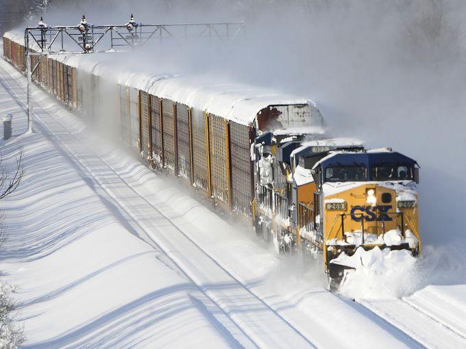 Pre Season Snowfall freezes US