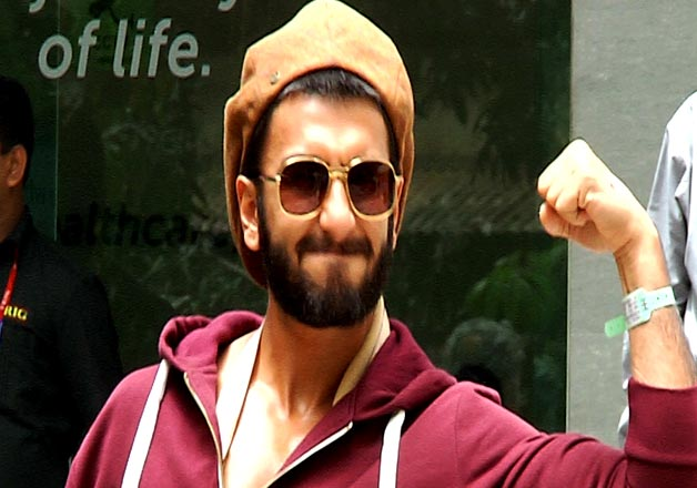 Ranveer Singh recovers from shoulder surgery