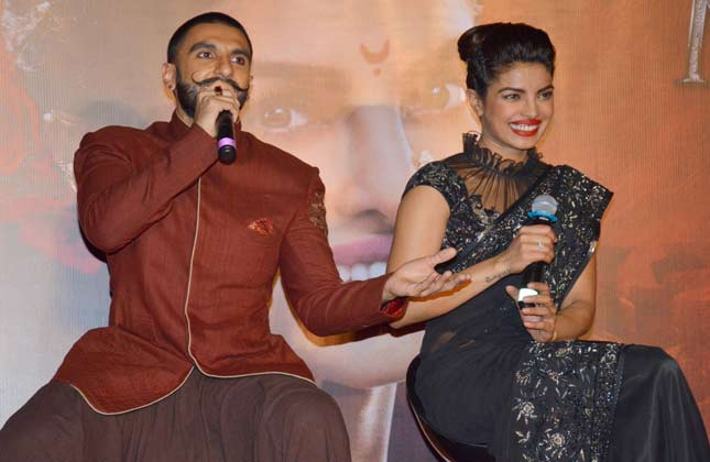 Ranveer and Priyanka shine at Bajirao Mastani new song launch