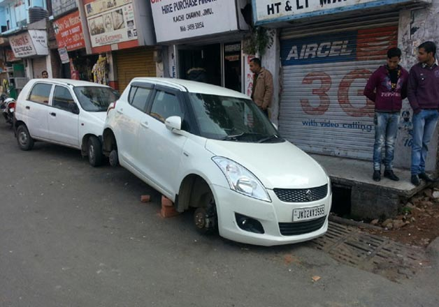 Tyres of vehicles stolen near IG office in Jammu