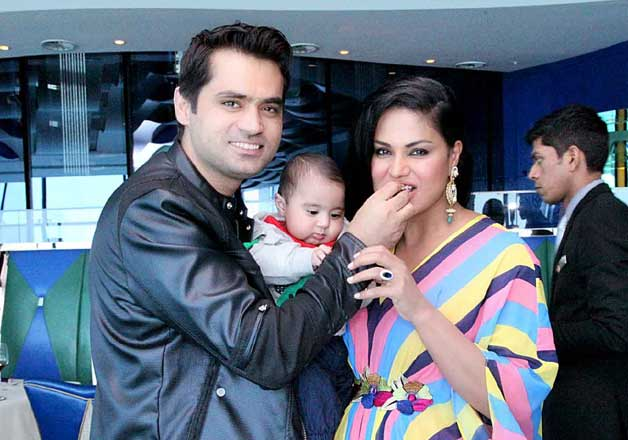 Veena Malik celebrates her 31st birthday with hubby in Dubai
