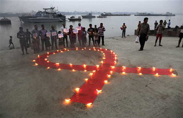 World comes together on AIDS Day