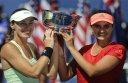 Sania Mirza Martina Hingis win women doubles title at
