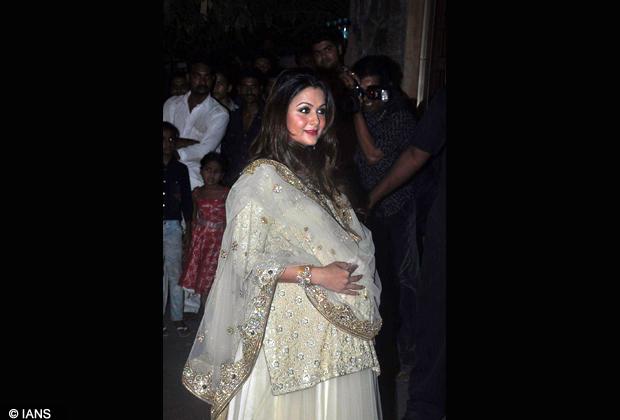 4d35f03cf76 Bollywood actress Amrita Arora at Saif Ali Khan and Kareena Kapoor Sangeet  Ceremony at their new