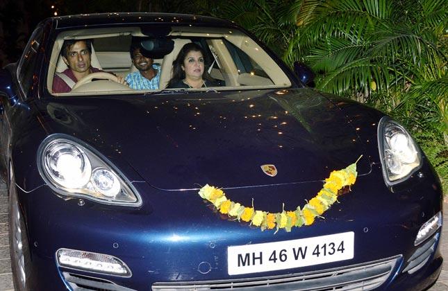 Superstars converge at Bachchan's Diwali bash