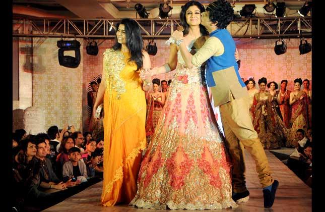 Shilpa Shetty Showcases Designer Rohit Verma S Latest Collection