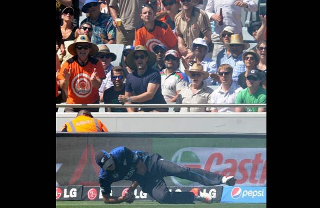 World Cup 2015: Starc 6 wickets in vain as New Zealand beat